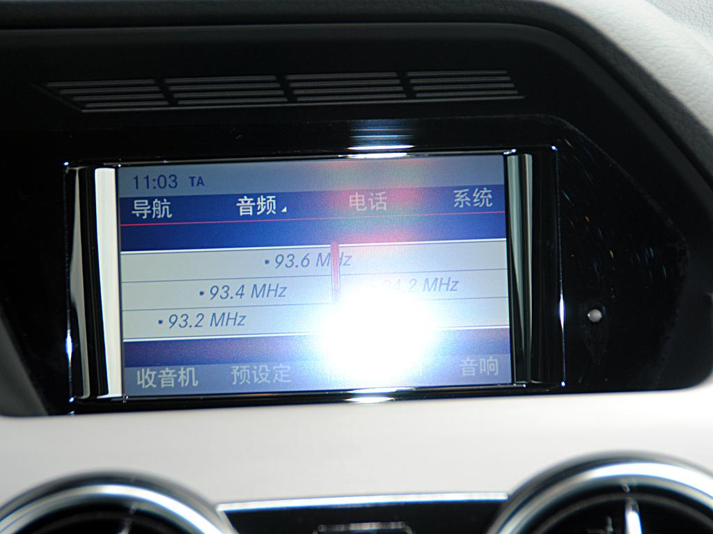 奔驰glk级(进口)多功能显示屏